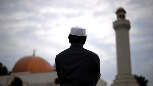 ভারতীয় গোয়েন্দা কর্মকর্তার ইসলাম গ্রহণ